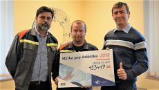 Aktualita AGC Automotive Czech - Lidé v AGC vybrali přes 150.000 Kč na nemocného syna kolegy