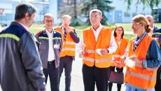 Aktualita AGC Automotive Czech - Novou linku na výrobu čelních skel si prohlédli premiér Babiš a zástupci CzechInvestu